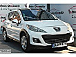 BAYİİDEN 2011 207 OUTDOOR PREMİUM CAM TAVAN 1.6 VTİ 120 HP AUTO. Peugeot 207 1.6 VTi Outdoor Premium