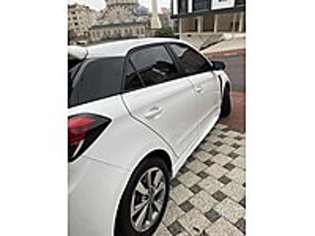 32 BİNDE CAM TAVAN İ20 STYLE Hyundai i20 1.4 CRDi Style