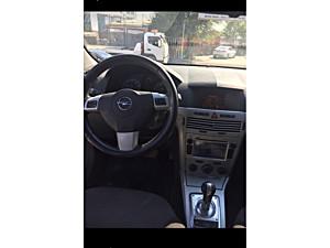 astra benzin LPG otomatik temiz boyasız 2011 navigasyonlu full