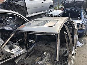 Opel Vectra Tavan arka ve diğer bütün parçalar hatasız orjinal çıkma