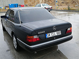 SAHİBİNDEN KAZASIZ BOYASIZ ORJİNAL W124 200E