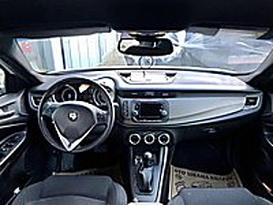 LİVAVIPDEN KAPORTA HASARLI ALFA ROMEO GULİETTA Alfa Romeo Giulietta