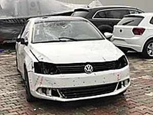 LİVAVIPDEN HASARLI JETTA DSG TDI Volkswagen Jetta