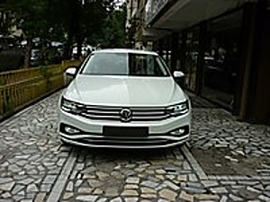 AUTO GOLD DAN SIFIR KM PASSAT 1.6 TDİ 120 HP BUSİNESS DSG F1 FUL Volkswagen Passat 1.6 TDI BlueMotion Business
