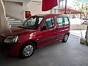 2004 MODEL 1.9 ÇİFT SÜRGÜLÜ KLİMALI PARTNER Peugeot Partner 1.9 Kombi