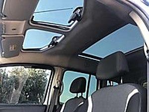 DOĞAN OTOMOTİVDEN HATASIZ BOYASIZ CAM TAVANLI KANGOO Renault Kangoo Multix Kangoo Multix 1.5 dCi Extreme