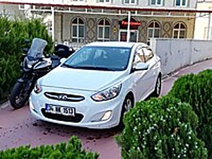 otomatik vites boya hata değişen yok 98binde ful paket orjinal Hyundai Accent Blue 1.6 CRDI Mode Plus