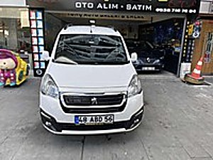 SADECE 111 bin km 115 HP ÇOK TEMİZ YENİ KASA PARTNER ALURE Peugeot Partner 1.6 HDi Allure