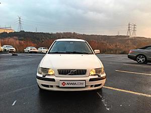 2001 Model 2. El Volvo S40 1.8 Otm. - 300000 KM