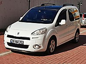 2012 CAM TAVAN BOYASIZ LED Lİ Peugeot Partner 1.6 HDi Zenith
