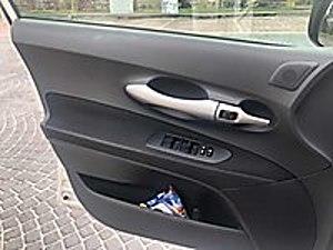 LİVA MOTORSTOYOTA AURİS 1.4 D-4D CIMFORT EXTRA Toyota Auris 1.4 D-4D Comfort Extra