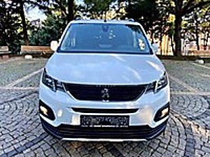 0  KM 2020 ALLURE  RİFTER GRİP KONT. KABLOSUZ ŞARJ EKSTRALI Peugeot Rifter 1.5 BlueHDI Allure