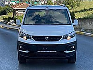 2020 MODEL  0 KM SkyPack CAM TAVANARA KONSOL 0 37 FAİZ 5 YIL Peugeot Rifter 1.5 BlueHDI Active SkyPack