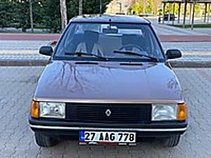 OTO BORSA DAN 1985 ORJİNAL FRANSIZ 1 4 BROADWAY Renault R 9 1.4 Broadway